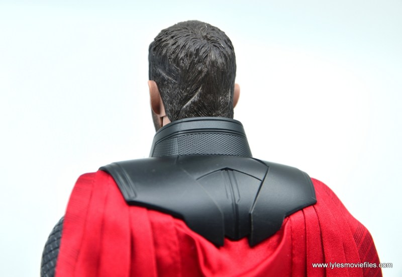 hot toys avengers infinity war thor figure review - cape detail