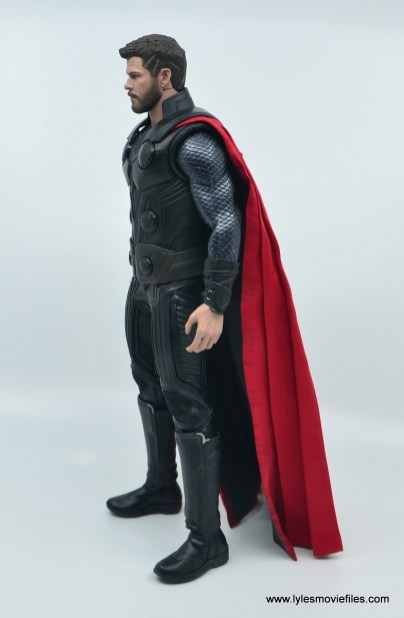 hot toys avengers infinity war thor figure review - left ide