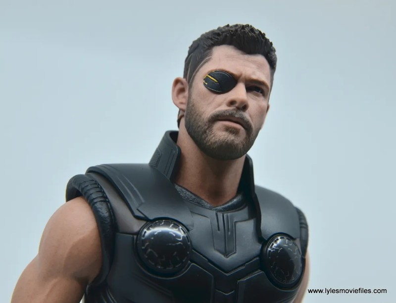 hot toys avengers infinity war thor figure review - looking up with eye patch