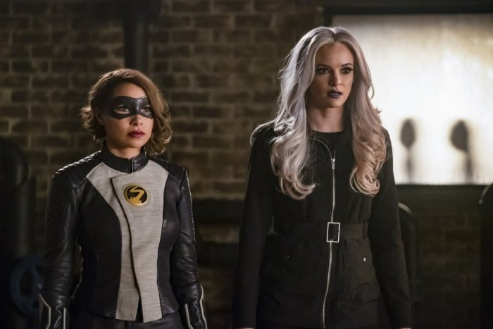 the flash cause and xs review - xs and killer frost