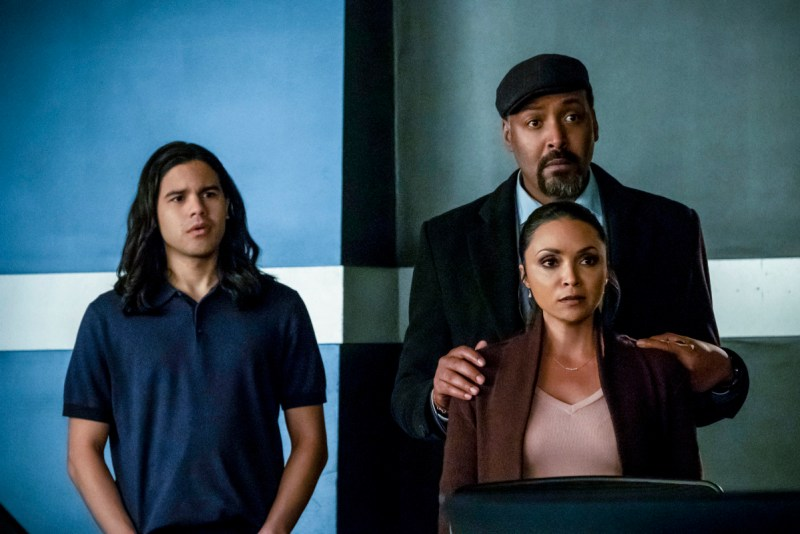 the flash time bomb review - cisco, cecile and joe