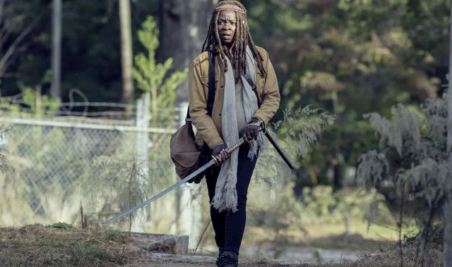 the walking dead scars review - pregnant michonne