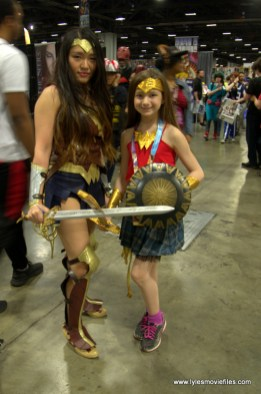 Awesome Con 2019 - wonder woman and wonder girl