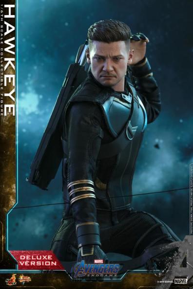 hot toys avengers endgame hawkeye -reaching for arrow