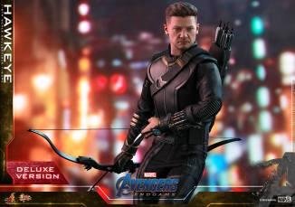 hot toys avengers endgame hawkeye -wide shot with no hood