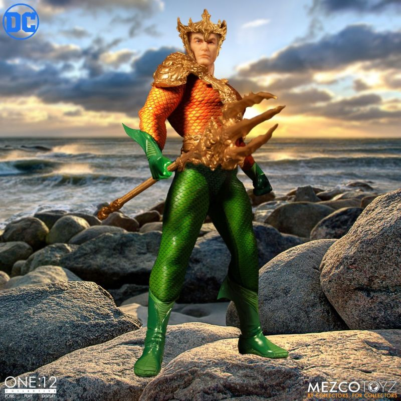 mezco one 12 aquaman figure -with armor and crown