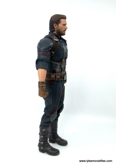 Hot Toys Avengers Infinity War Captain America figure review - right side