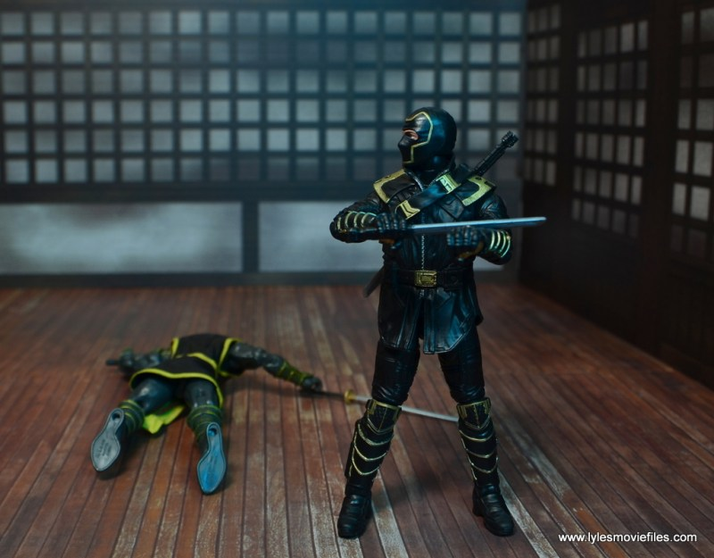 Marvel Legends Ronin figure review - wiping blood off blade