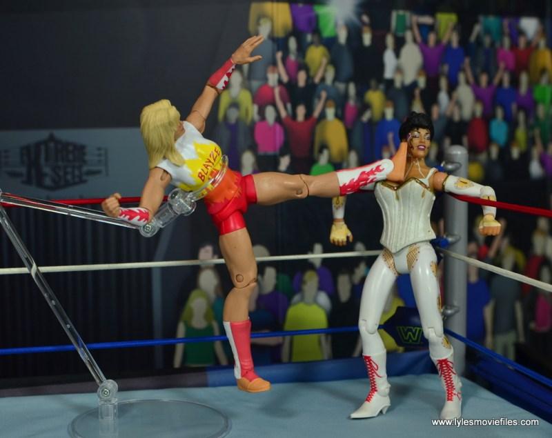 WWE Alundra Blayze figure review - high kick to sherri