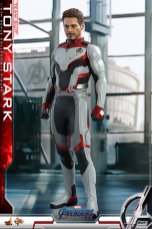 hot toys avengers endgame tony stark team suit - profile shot