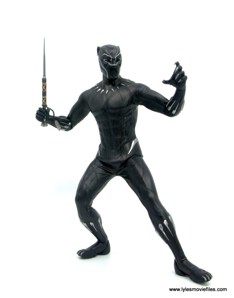 Hot Toys Black Panther figure review - battle stance with spear
