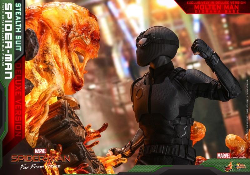 Hot Toys Spider-Man Stealth Suit Figure - close up spider-man vs molten man