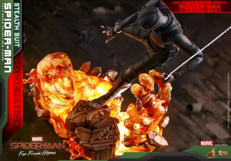 Hot Toys Spider-Man Stealth Suit Figure - light up molten man