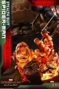 Hot Toys Spider-Man Stealth Suit Figure - molten man details