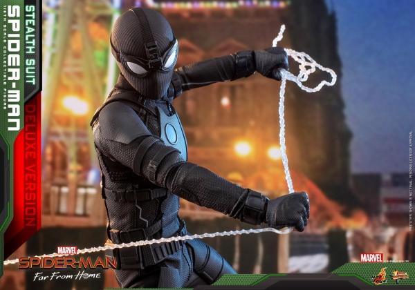 Hot Toys Spider-Man Stealth Suit Figure - uniform close up