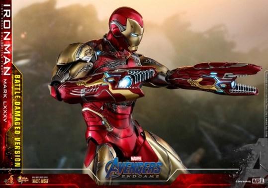 Hot Toys Avengers Endgame Iron Man Mark LXXXV Battle Damaged Figure - cannon close up
