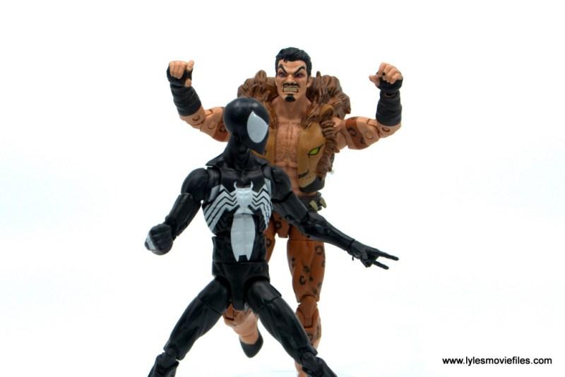 Marvel Legends Kraven and Spider-Man two-pack figure review - kraven stalking spider-man