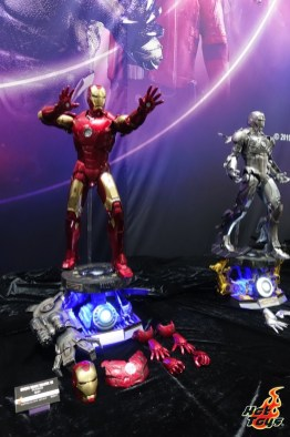 sdcc 2019 hot toys reveals - die cast iron man mark 7 and mark 2