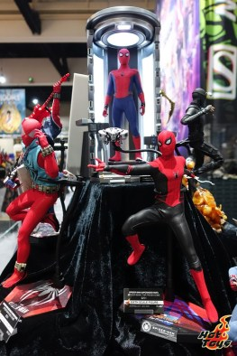 sdcc 2019 hot toys reveals - scarlet spider and spider-man far from home