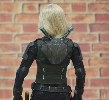 hot toys avengers infinity war black widow figure - backpack close up