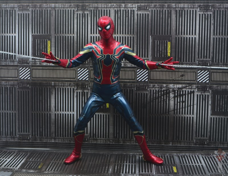 hot toys avengers infinity war iron spider figure review - aiming web shooters