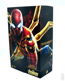 hot toys avengers infinity war iron spider figure review - package slanted