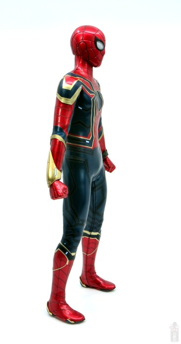 hot toys avengers infinity war iron spider figure review - right side