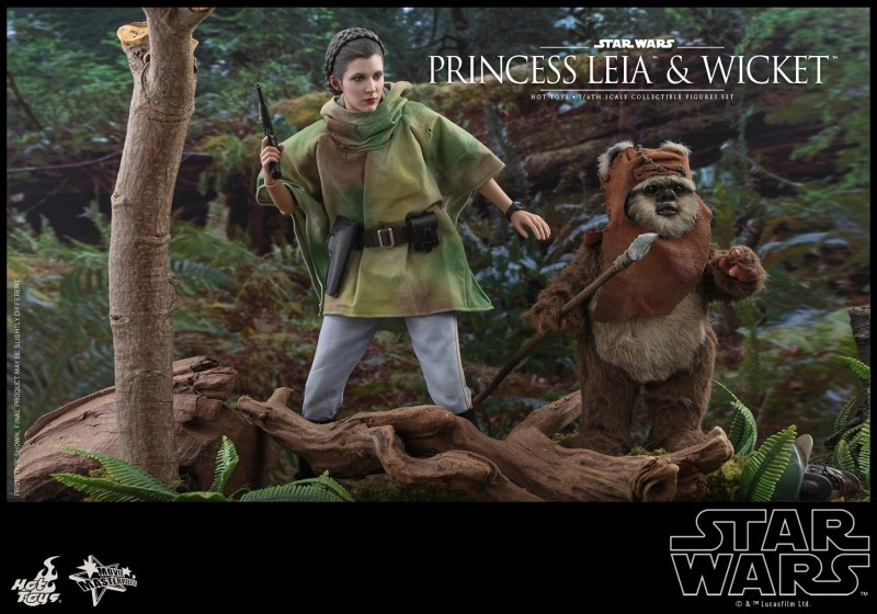hot toys return of the jedi princess leia and wicket figures - walking through the woods