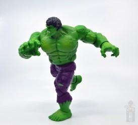 marvel legends hulk vs wolveringe figure review 80th anniversary - hulk charging side