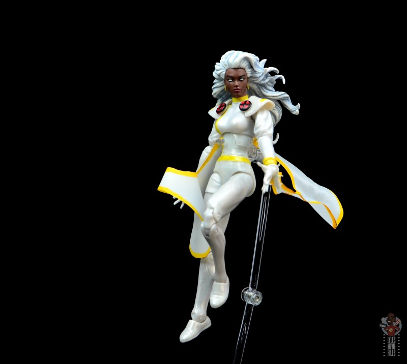 marvel legends storm figure review - landing