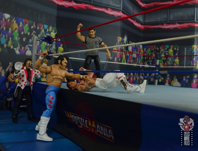 wwe retrofest honky tonk man figure review - forearm smash to ricky steamboat on the apron