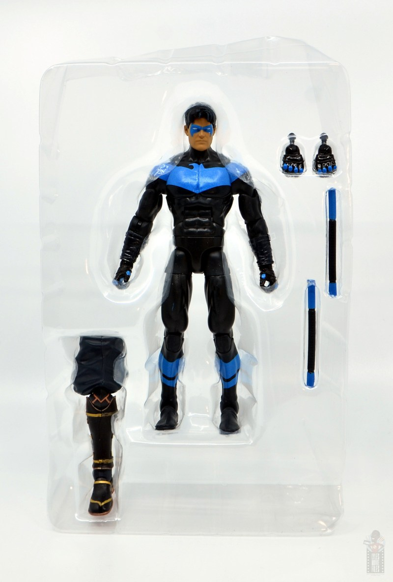dc multiverse nightwing figure review -accessories in tray