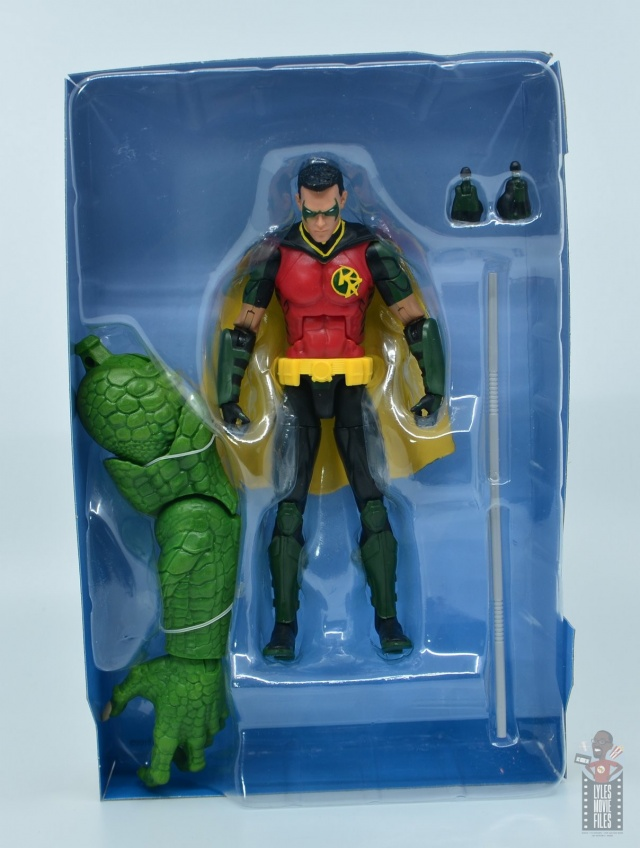 dc multiverse red robin figure review - inner package with accessories