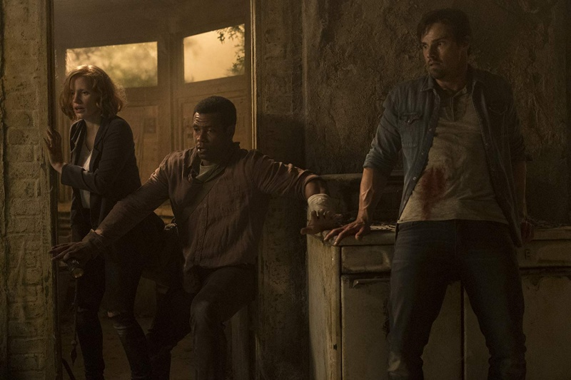 it chapter two movie review - jessica chastain, isaiah mustafa and jay ryan