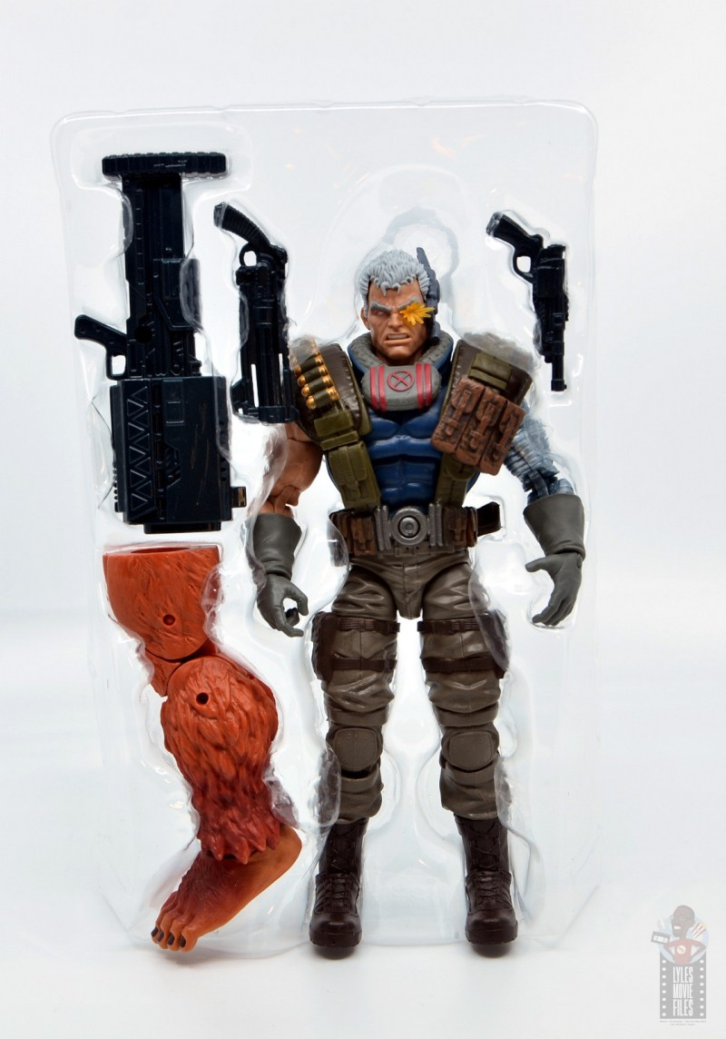 marvel legends cable figure review - accessories in tray