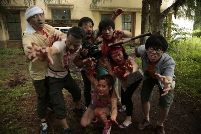 one cut of the dead review - main cast