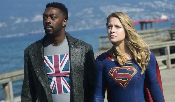 supergirl season 4 - manchester black and supergirl