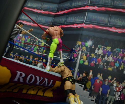 wwe elite macho king figure review - kicking dusty rhodes on the outside