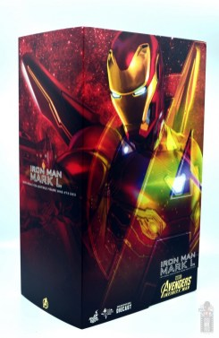 hot toys avengers infinity war iron man figure review -package side view