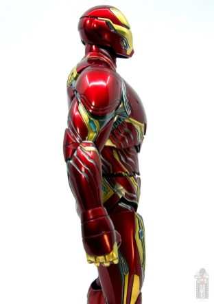 hot toys avengers infinity war iron man figure review - side close up