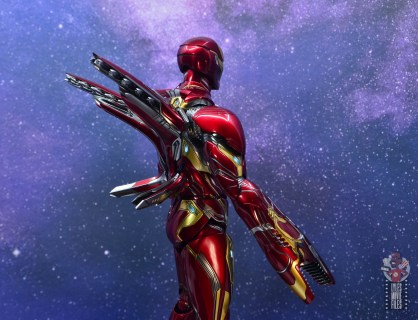 hot toys avengers infinity war iron man figure review - wing detail