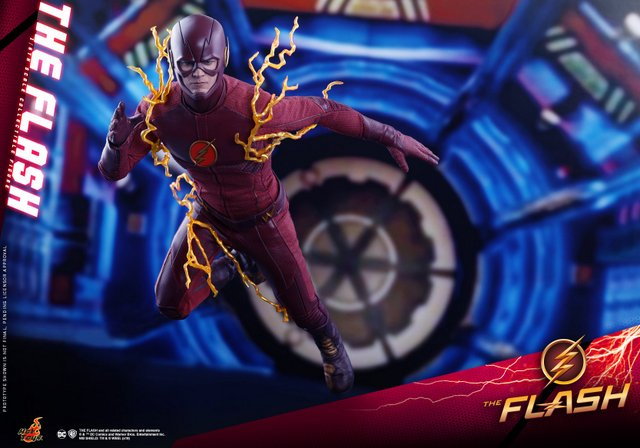 hot toys cw the flash figure - in the particle accelerator