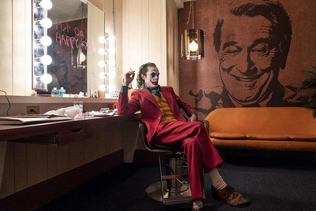 joker movie review - arthur at murray's show