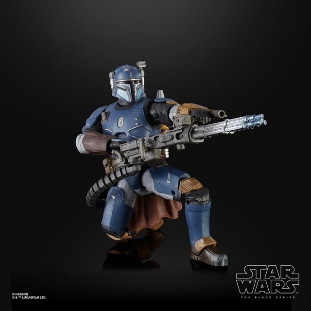 Star Wars the black series heavy infantry mandalorian crouching