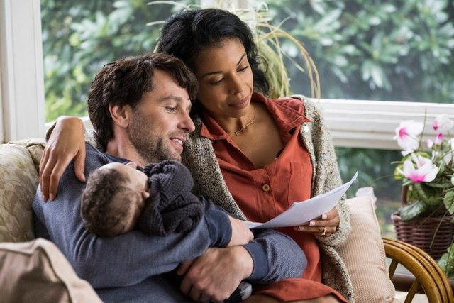 a beautiful day in the neighborhood review - matthew rhys and susan kelechi watson