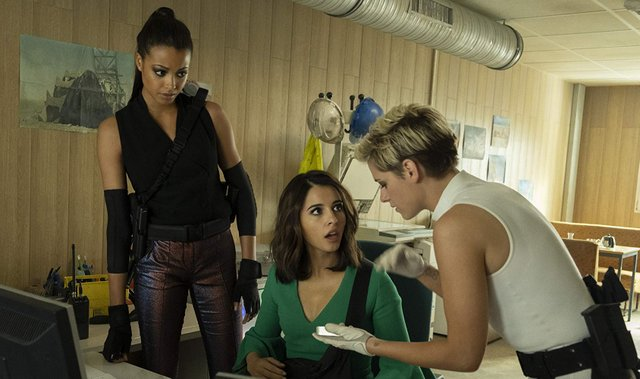 charlie's angels 2019 review -ella balinska, naomi scott and kristen stewart
