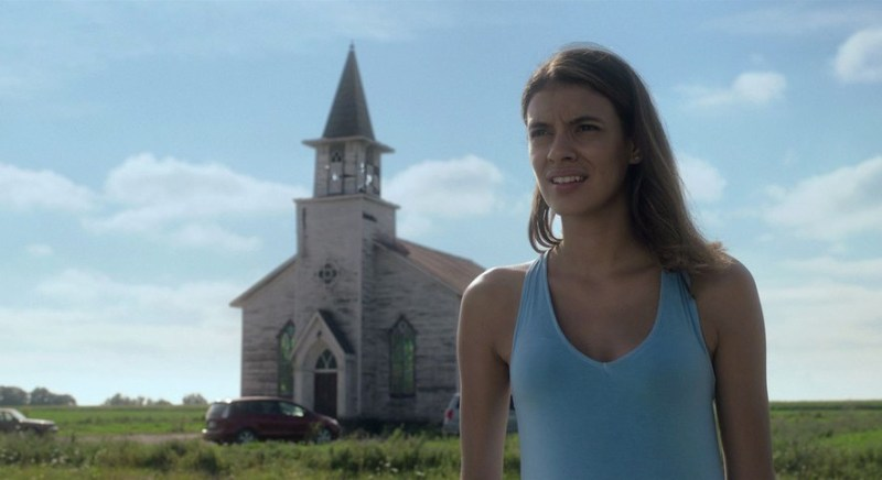 in the tall grass movie review - laysla de oliveria