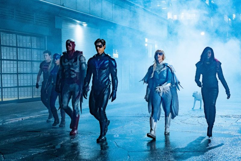 titans - nightwing review - superboy, ravager, hawk, nightwing, dove, krypto and kori