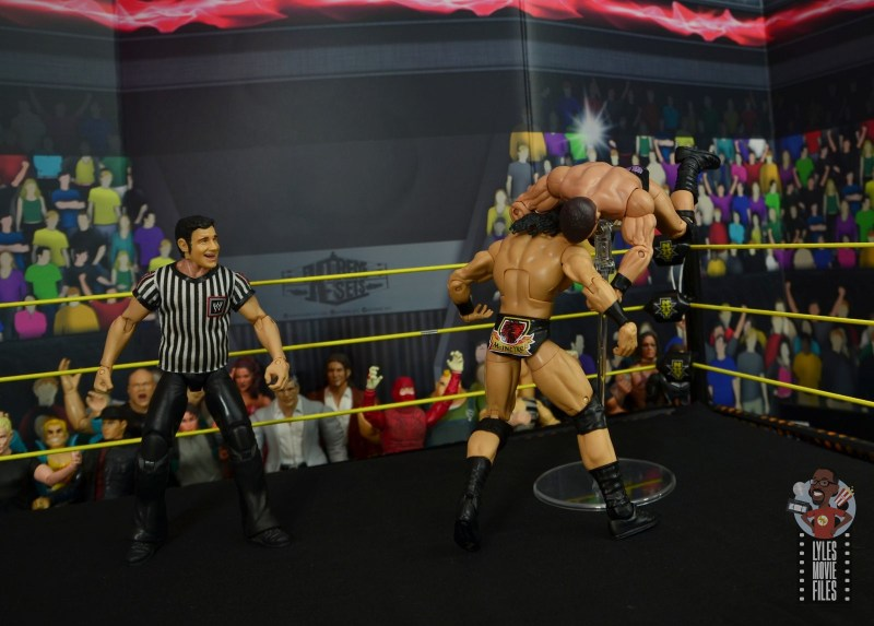 WWE Entrance Greats Bobby Roode figure review - blockbuster to drew mcintyre