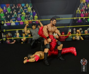 WWE Entrance Greats Bobby Roode figure review - single leg crab to nakamura